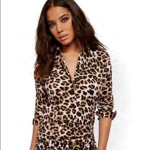 NY&Co NWT Leopard Stretch-shirt w/secret snap SZ-S